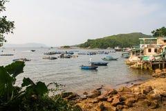 Exploitation de pisciculture à l'île d'herbe photos stock