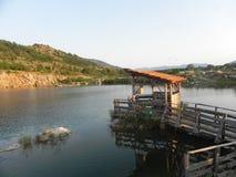 Exploitation de pisciculture dans la montagne de Pirin Photographie stock libre de droits