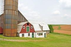 Exploitation laitière de pays abandonnée Photographie stock