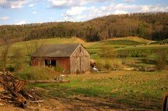 Exploração agrícola abandonada Fotografia de Stock Royalty Free