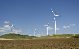 Exploração agrícola da turbina eólica Imagens de Stock Royalty Free