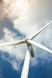 Exploração agrícola das turbinas de vento Fotos de Stock Royalty Free