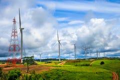 Exploração agrícola das turbinas eólicas Fotos de Stock