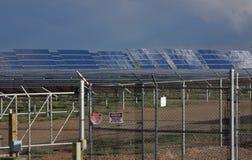 Exploração agrícola de energia solar Fotografia de Stock Royalty Free