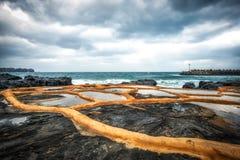 Exploração agrícola de sal da pedra de Gueomri imagens de stock