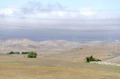 Exploração agrícola de vento no monte dourado de Livermore em Califórnia Imagens de Stock Royalty Free
