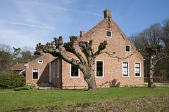 Exploração agrícola holandesa velha Imagens de Stock