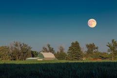Exploração agrícola sob a lua (ao norte de Toronto) Imagem de Stock