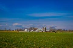 Exploração agrícola típica de Amish no condado de Lancaster em Pensilvânia EUA sem eletricidade fotografia de stock royalty free