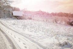 Exploração agrícola velha nas montanhas Imagens de Stock Royalty Free