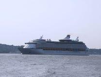 Explorador das caraíbas real do navio de cruzeiros l dos mares Fotografia de Stock Royalty Free