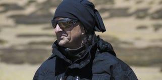 Explorador de la montaña fotos de archivo