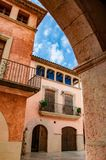 Explorando a cidade velha bonita de Altafulla fotografia de stock royalty free