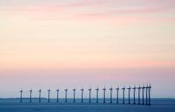 Exploração agrícola de vento a pouca distância do mar Imagem de Stock