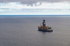 Exploratory frånlands- borrande vid drillship Arkivfoto