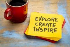 Explore, cree, inspire el concepto en servilleta fotos de archivo libres de regalías