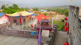 Explore el pueblo de Yunnan del chino de Santichon, Tailandia almacen de video