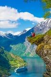Explore los fiordos de Noruega Foto de archivo libre de regalías