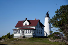 Explorez la lumière historique de l'île de Baker dans le Massachusetts Images libres de droits
