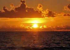 Explosão da luz do sol Fotos de Stock Royalty Free