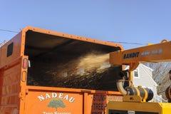 Explosão das microplaquetas da raspadora de madeira Fotografia de Stock Royalty Free
