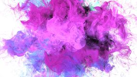 Explosão de cor - resíduo metálico alfa das partículas fluidas cor-de-rosa roxas coloridas da explosão do fumo