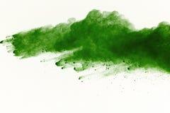 Explosão do pó colorido, isolada no fundo branco Sumário da poeira colorida splatted nuvem da cor fotografia de stock royalty free