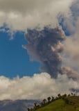 Explosão do vulcão de Tungurahua, em agosto de 2014 Foto de Stock Royalty Free