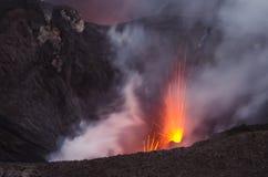 Explosão do vulcão de Vanuatu fotos de stock