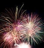 explosões dos fogos-de-artifício no céu preto Imagens de Stock