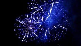 Explosões grandes dos fogos-de-artifício Movimento lento filme