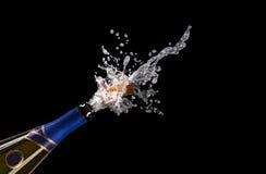 Explosión del corcho de la botella del champán Fotografía de archivo