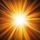 Explosión del efecto luminoso que brilla intensamente anaranjado rojo aislado sobre fondo transparente EPS 10 ilustración del vector