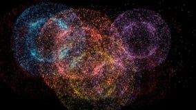 Explosión del fuego artificial que sorprende en el fondo negro, concepto de la celebración