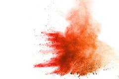 Explosión del polvo coloreado, aislada en el fondo blanco Extracto del polvo coloreado splatted nube del color imágenes de archivo libres de regalías