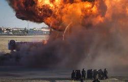 Explosión en un simulacro de la emergencia imagenes de archivo