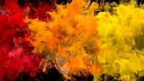 Explosi?n de color - mate alfa del humo de las part?culas fl?idas coloridas m?ltiples de las explosiones libre illustration