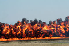 Explosie en zwarte rook Stock Afbeeldingen