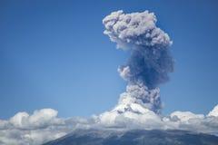 Explosie van popocatepetlvulkaan stock afbeelding