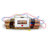 Explosifs avec l'horloge d'alarme, sur le blanc Image stock