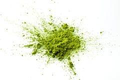 Explosion de poudre de Matcha sur le fond blanc image libre de droits