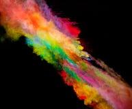 Explosion des farbigen Pulvers auf schwarzem Hintergrund Lizenzfreies Stockbild