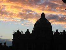 Explosion des Ruhmes über dem Vatican Lizenzfreie Stockfotos