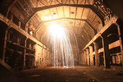 Explosion i den gamla korridoren Arkivfoton