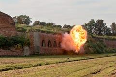 Explosion und Feuerkugel Stockfotografie