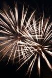 Explosiones blancas del fuego artificial Imagen de archivo