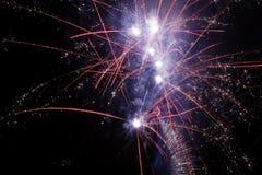 Explosiones de los fuegos artificiales Fotografía de archivo libre de regalías
