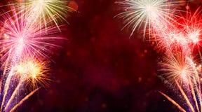 Explosions de feux d'artifice sur le fond noir Image libre de droits