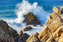 Explosions de l'eau d'océan Photos stock