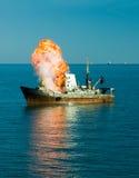 explosionship Royaltyfri Bild
